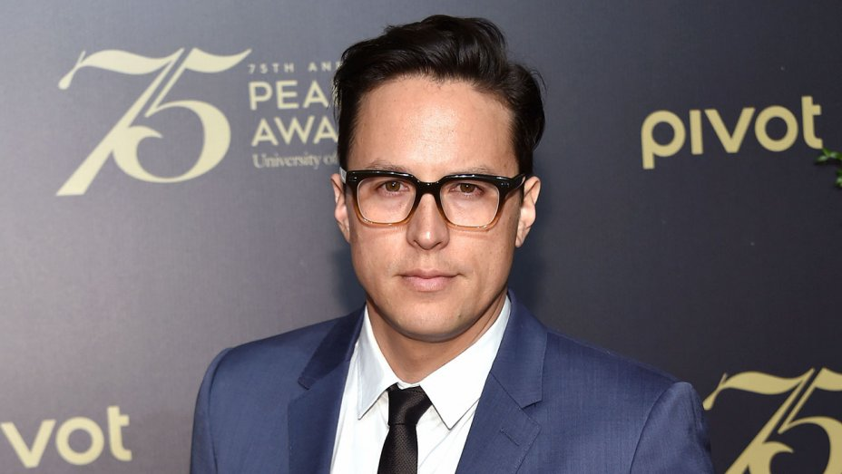 Cary Fukunaga to Direct 'James Bond 25' https://t.co/DwunD3e1s1