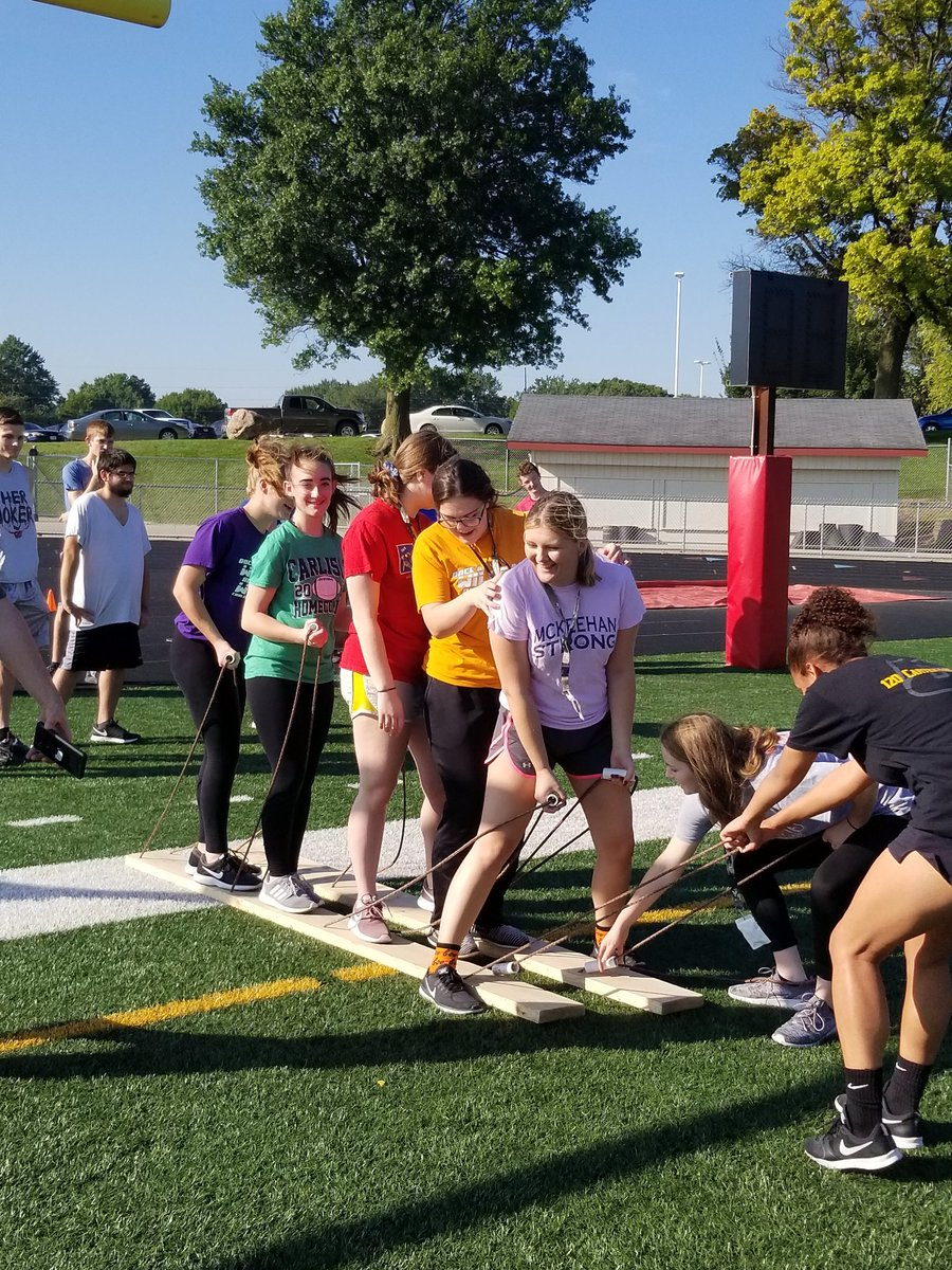 """National Guard here again today!  Working on team work and cooperative skills.  Picture 2 """"cheating"""" or thinking outside the box!   #CHSPEROCKS <br>http://pic.twitter.com/HEyUW3XF52"""