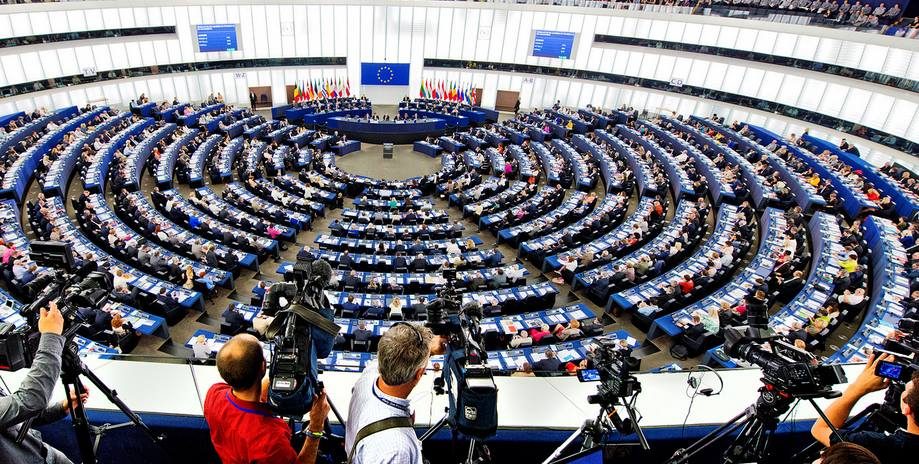 Verso le elezioni @Europarl_IT Guida al #voto, prima puntata. Leggi  http:// www.lombardiaquotidiano.com https://t.co/eGizjvZKkP @europainitalia @DipPoliticheUE  - Ukustom