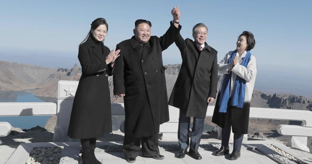 North Korean leader Kim Jong Un told his South Korean counterpart that he wants to 'complete denuclearization quickly,' according to the S. Korean leader https://t.co/qdi01uU3pn