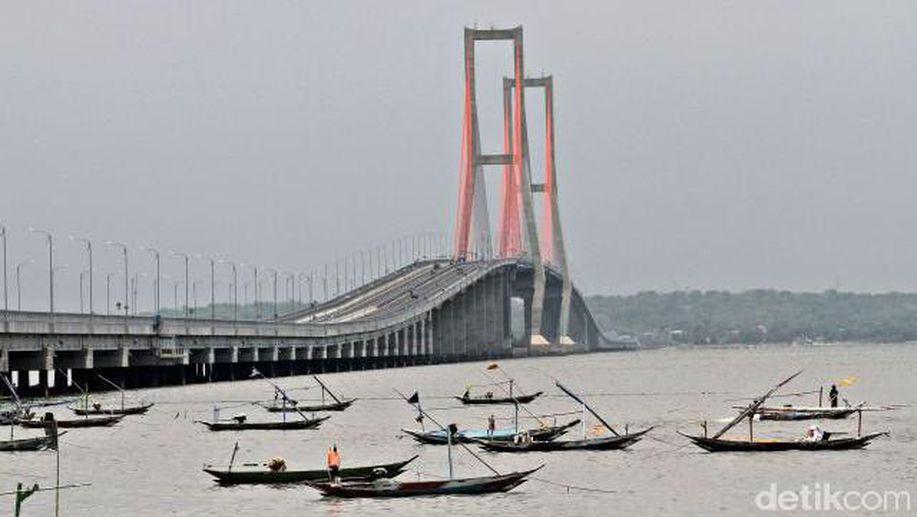 Kemahalan, Jembatan Tol Suramadu Bakal Digratiskan? https://t.co/kbdsOvRXYb via @detikfinance https://t.co/ziHW2whg5G