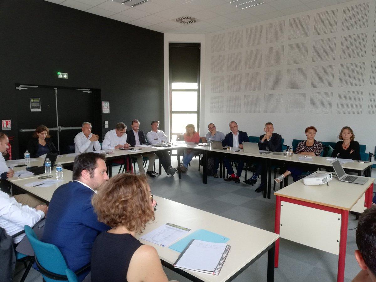 La pression monte ! Jérémie et Mathieu présentent leur #projet de #startup et répondent aux questions du comité de sélection…