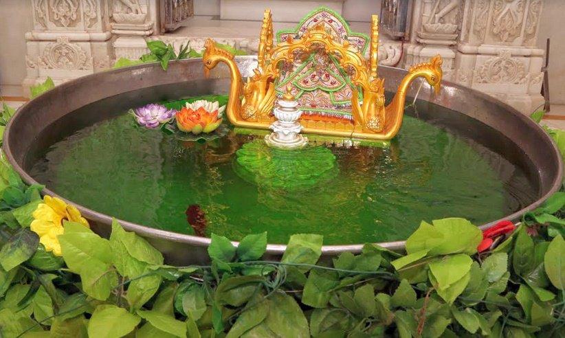 મણિનગર અને ભુજમાં સ્વામિનારાયણ મંદિરમાં જળઝીલણી એકાદશીની ઉજવણી