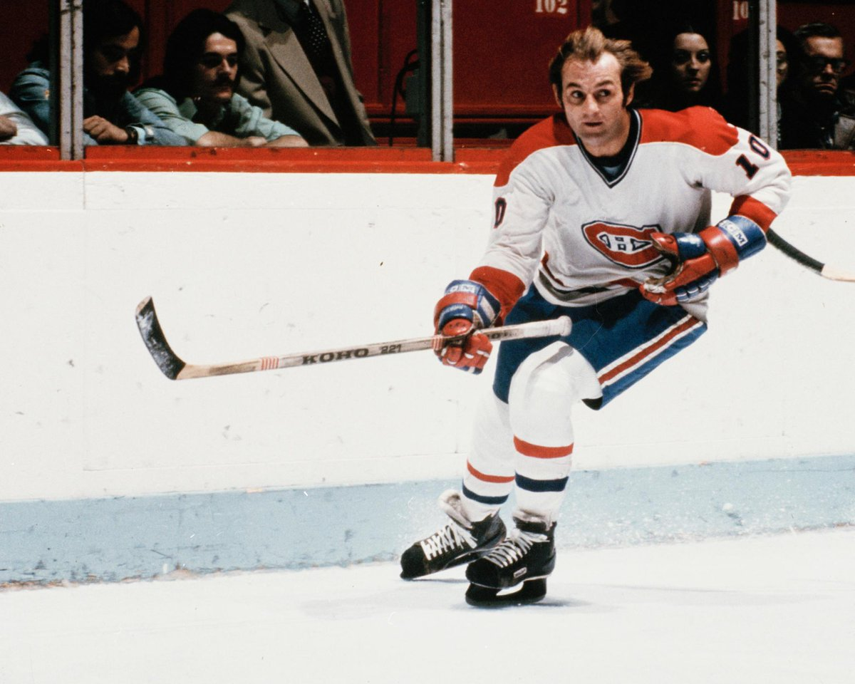 THIS DATE IN 1951: Guy Lafleur was born in Thurso, Que. He is one of five players in NHL history to win the Art Ross Trophy in at least three straight seasons, doing so from 1975-76 to 1977-78. More TDIH: atnhl.com/2MQiZcD
