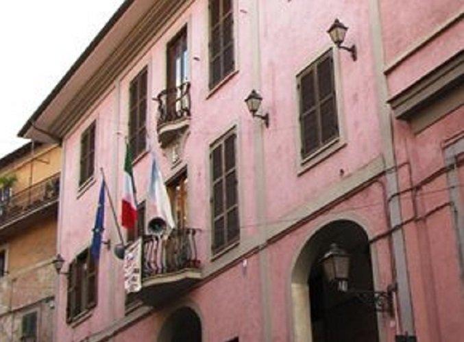 #RoccadiPapa, muro di via Frascati: il Sindaco diffida L\
