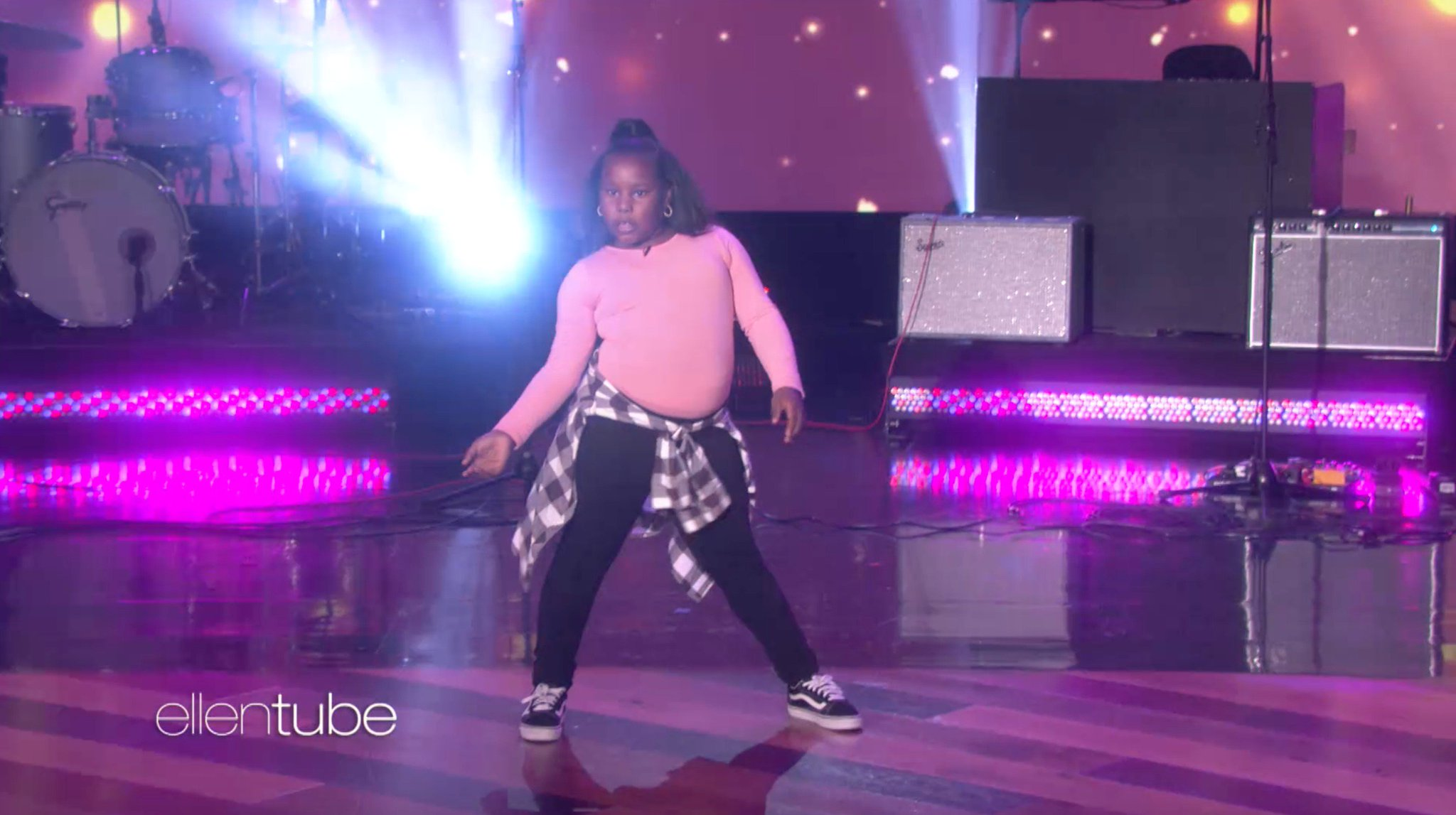 I've been waiting to see 9-year-old Jaylah dance on my show ever since I first saw her. Today it happened. https://t.co/fSFg4w5FJs