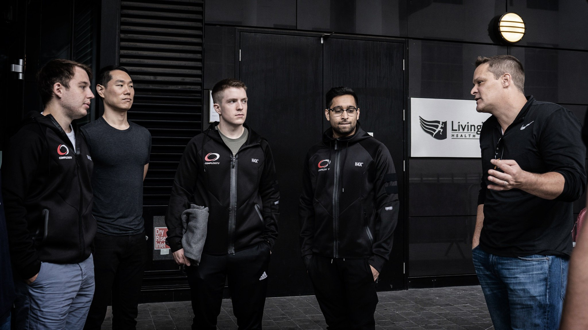 Wishing our friends at @compLexity the best of luck today in the #FACEITMajor! https://t.co/bMmoCPJNQ1