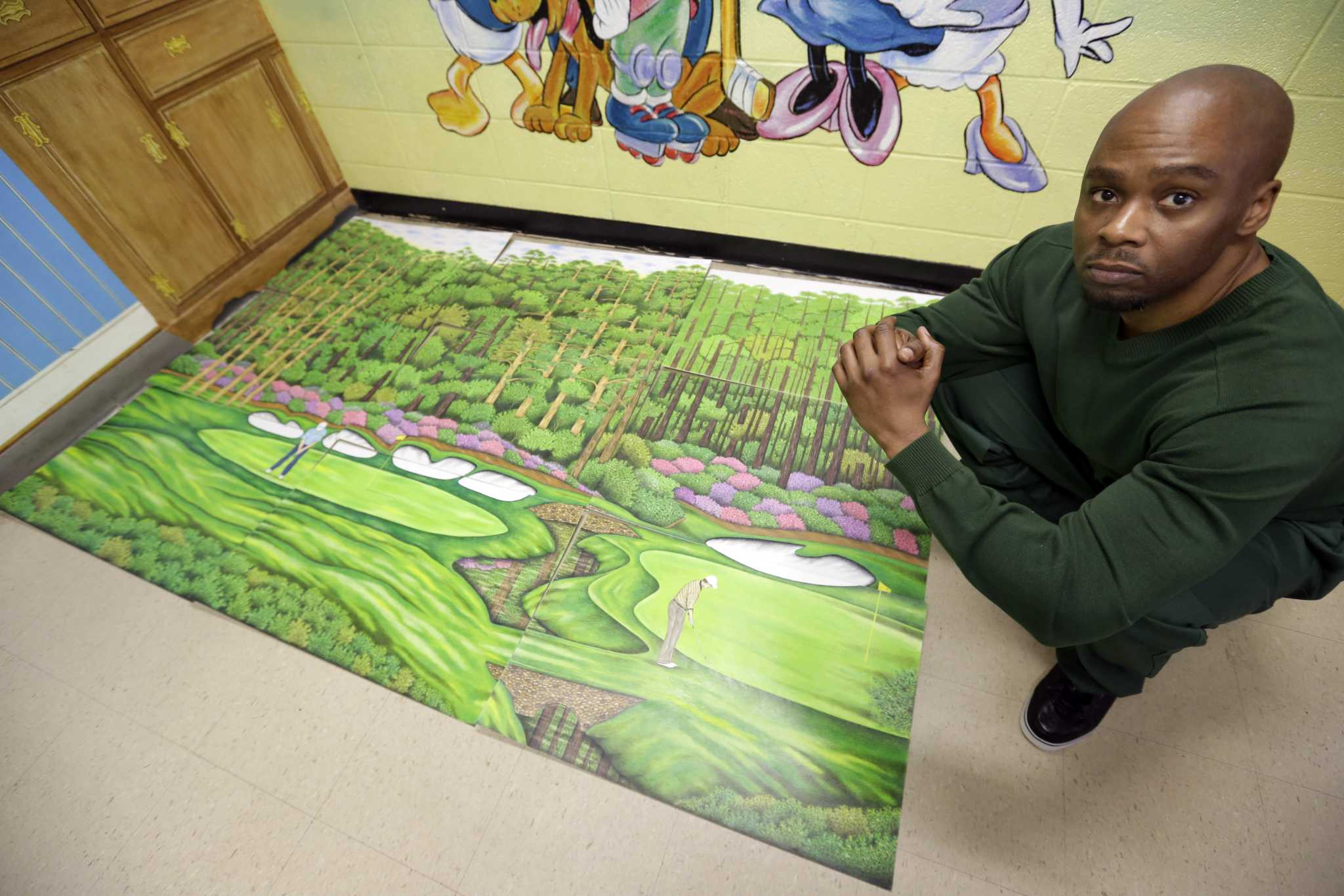 Golf magazine helps free golf-course artist imprisoned 27 years https://t.co/rn1g7Bb00M https://t.co/gYlVCZ2SeY