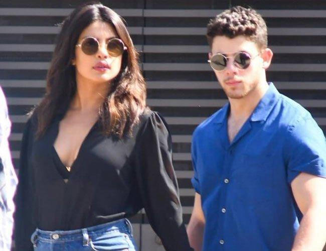 Priyanka Chopra wishes Nick Jonas Happy Birthday with a kiss!