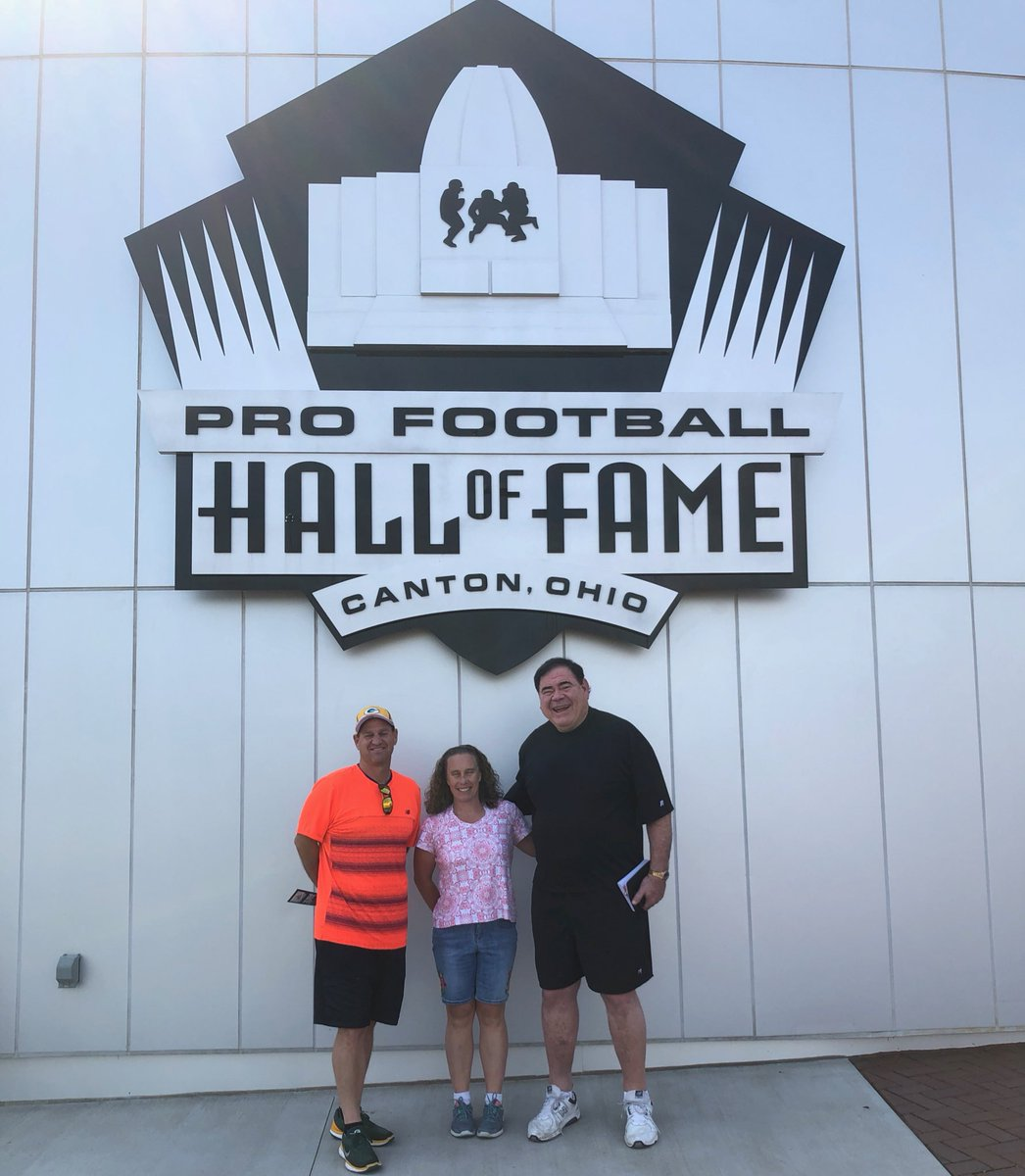 .@packers fans Phil and his wife Jennifer visited the HOF today for their 1st time. They met @PFHOFPrez while in Canton. Phil recently attended the Week 2 games for the Packers and Bears to see the HOF Ring Ceremonies for #PFHOF18 members @JerryKramer64GB & .@BUrlacher54