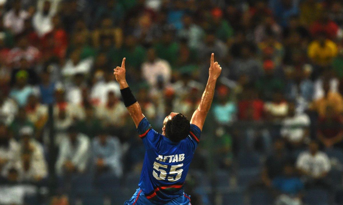ट्विटर प्रतिक्रिया: बांग्लादेश के खिलाफ शानदार प्रदर्शन कर सोशल मीडिया पर छाए राशिद खान,भारतीयों ने बनाया बांग्लादेश का मजाक 2