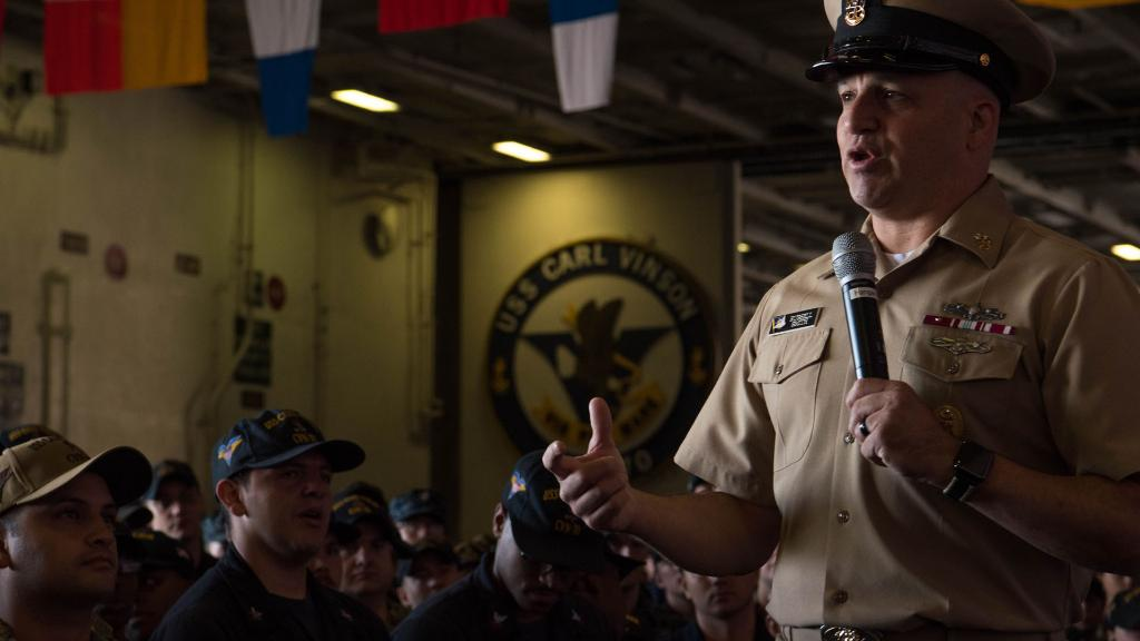 Exactly 30 years after he enlisted in #USNavy, @NavyMCPON Russell Smith visits Sailors aboard aircraft carrier #USSCarlVinson, discussing #NavyReadiness - https://t.co/iSoQrnrtqI