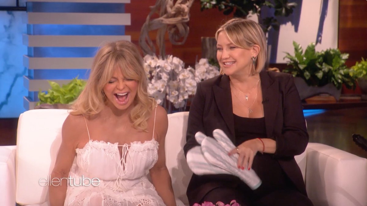 Image for the Tweet beginning: .@GoldieHawn and Kate Hudson told