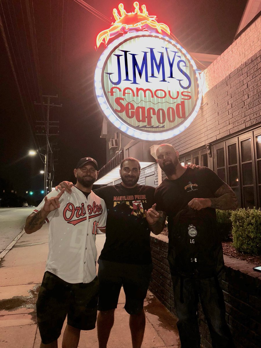 Whenever @KarlAndersonWWE & @LukeGallowsWWE are within a 300-mile radius, the GPS leads the #GoodBrothers to The Famous! 🦀