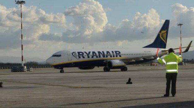#Bagagliamano a pagamento, #Ryanair nel mirino dell\