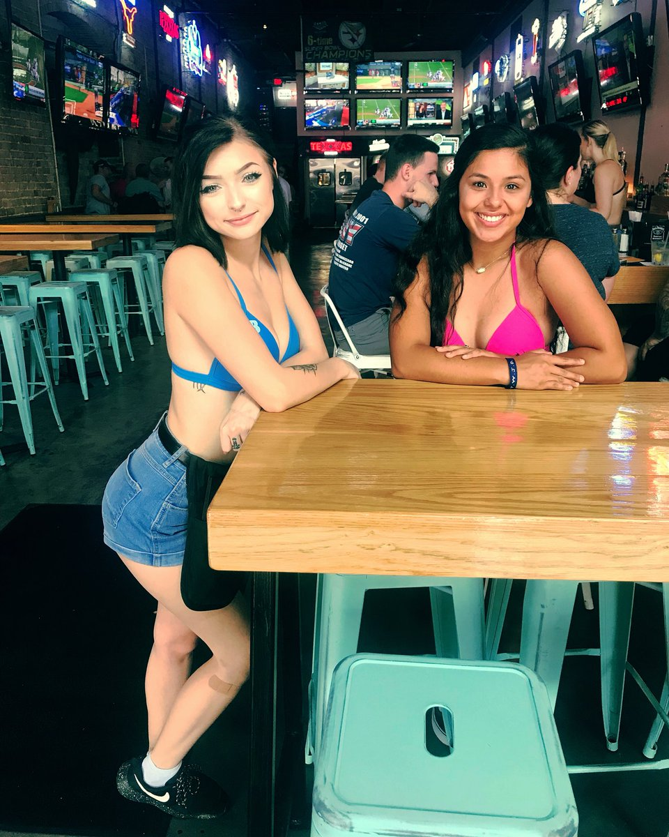 Naked girls armpits images