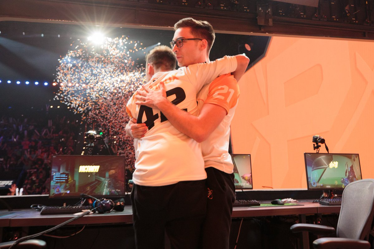 Set your alarms! The last group stage of the #OWWC starts at 4AM EDT!   Good luck to our players (and staff):   @poko   @Boombox and Coach @Hayez   :  https://www. twitch.tv/playoverwatch  &nbsp;  <br>http://pic.twitter.com/dHybvG7vZ3
