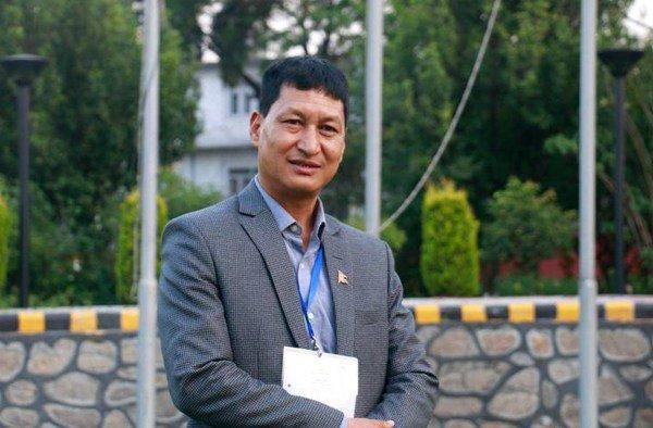 सरकारी पैसामा काठमाडौका मेयर श्रीमतीसहित अमेरिका