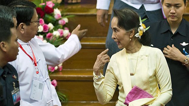 Myanmars Aung San Suu Kyi stood for media freedom when the media sought her freedom from house arrest. Now her government jails a former newspaper columnist for seven years for criticizing her on social media. bit.ly/2NvewRV