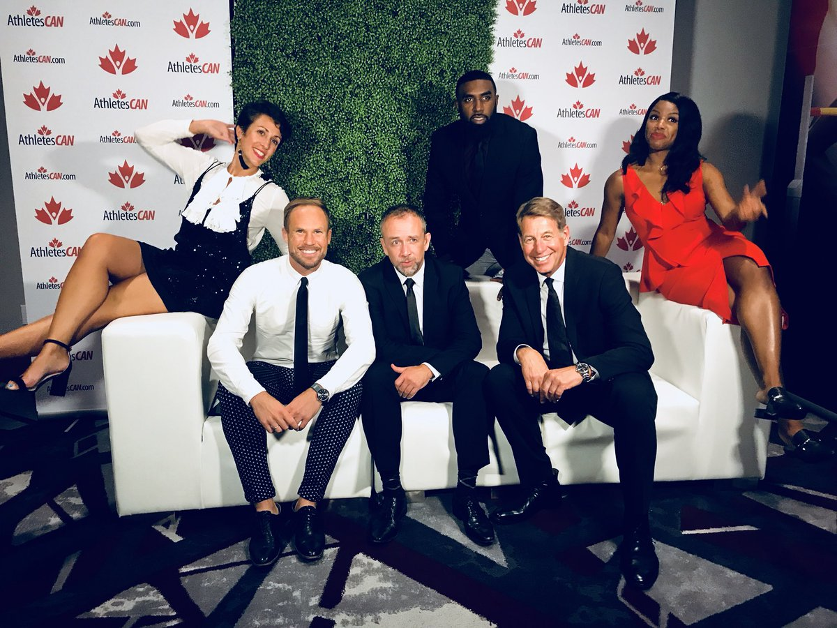 Signing off from the 2018 Canadian Sport Awards with a few of my favourite @cbcsports colleagues: @TaCaGo @CBCScottRussell @perditafelicien @ansonhenry and Paul MacDougall. #CDNSportAwards