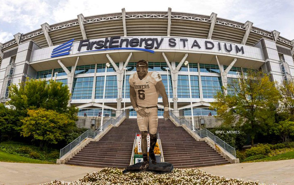 BREAKING: Browns build new statue for Baker Mayfield