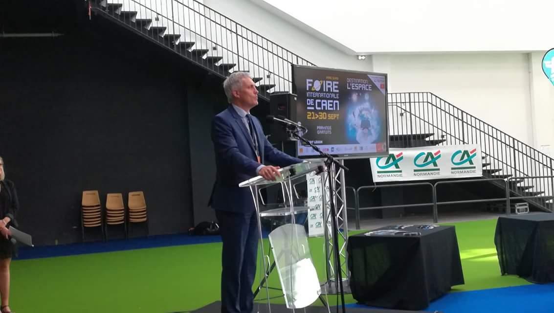 Inauguration #FoiredeCaen : @joelbruneau, maire de  @CaenOfficiel, souhaite une très belle édition de la Foire 2018 aux visiteurs https://t.co/8zg8qZtmy0