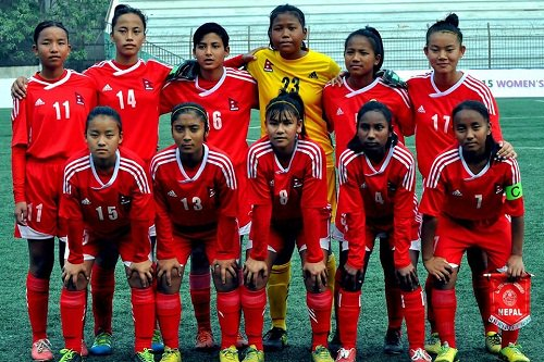 test Twitter Media - नेपाली यु–१६ महिला फुटबल टोलीले आज म्यानमारसँग खेल्दै... https://t.co/Jny4T5K6T7 https://t.co/zeHmcGmCWh