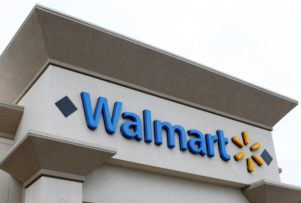 Walmart warns Trump tariffs may force price hikes: letter https://t.co/HgFlLj91p0 https://t.co/cKs12vqyUk