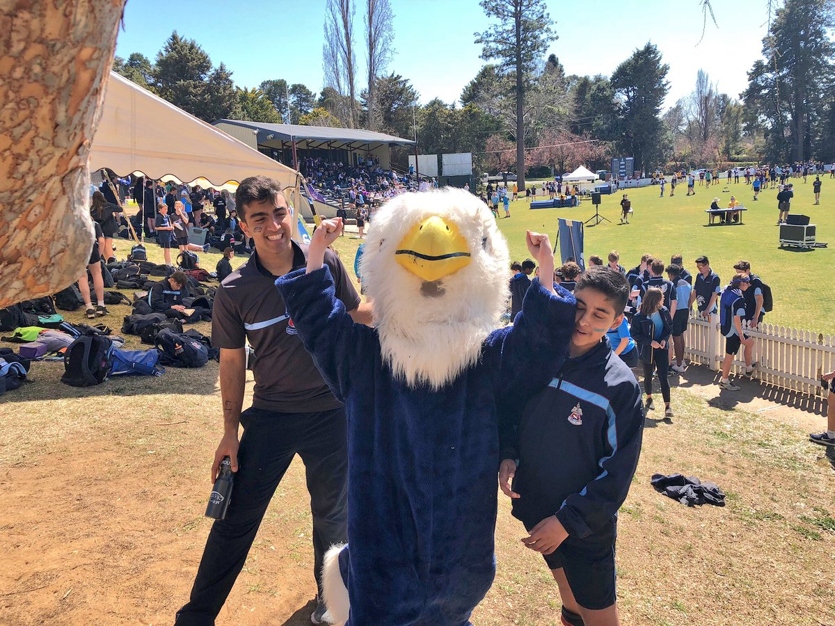 Fantastic House spirit and general enjoyment at the @CanberraGrammar Athletics Carnival.  Would you be anywhere else?!