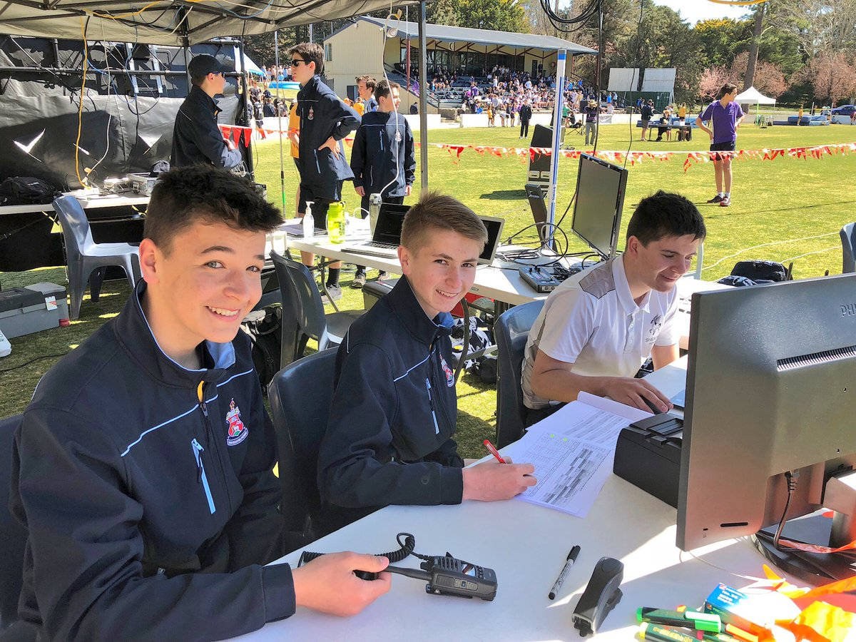 ... and the bonus highlight of the @CanberraGrammar Athletics Carnival - the big screen aerial drone footage of all the races and rankings courtesy of the ever-amazing CGS @CodeCadets. Great work!