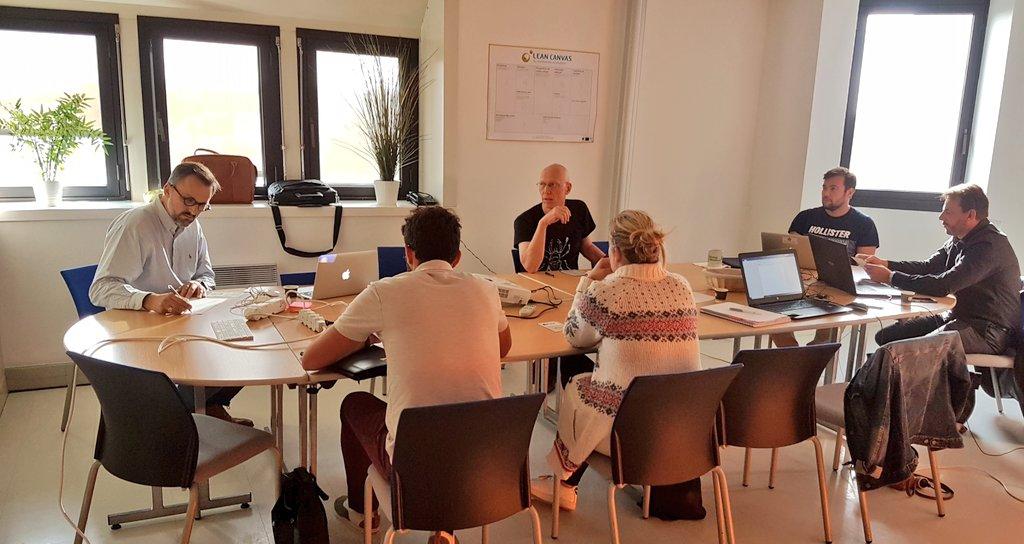 C'est parti ! Journée de formation #strategie #MarketingDigital avec @jbbod pour nos incubés et les #startups @CaenDev ! https://t.co/0HNJwf4BI0