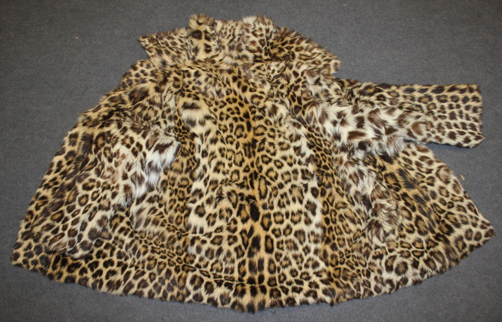 Man who sold fur coats made out of endangered leopards and wolves sentenced https://t.co/HTfalBA9lN https://t.co/roroo4M1D6