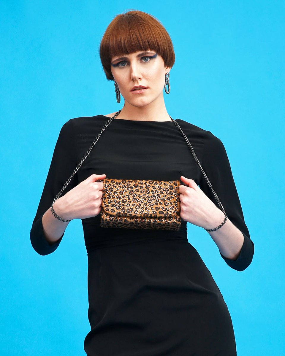 FLM Ashley .... Happy Friday Night!  #flmdesign #flumedesign #flmbag #fashion #design #fashionblogger #fashioninfluncer #style #street #girl #stylish #look #ootd #cool #bag #handmade #beautiful #self #leopard #chic #korea  #look #bag #states #accessories #handmade #model #paris https://t.co/FC29oZ5BqN