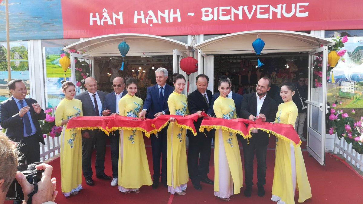 #FoiredeCaen : inauguration officielle du Pavillon du #Vietnam, pays invité d'honneur de cette édition 2018 ! ⭐🇻🇳 https://t.co/4NHbgQSB8K