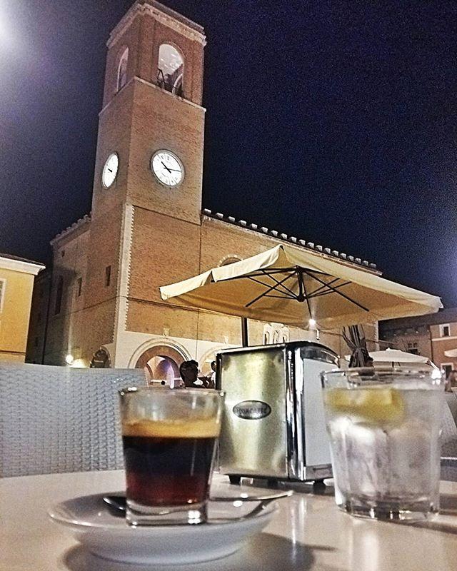 @vilsonfrattini ha sintetizzato in una foto #Fano d\
