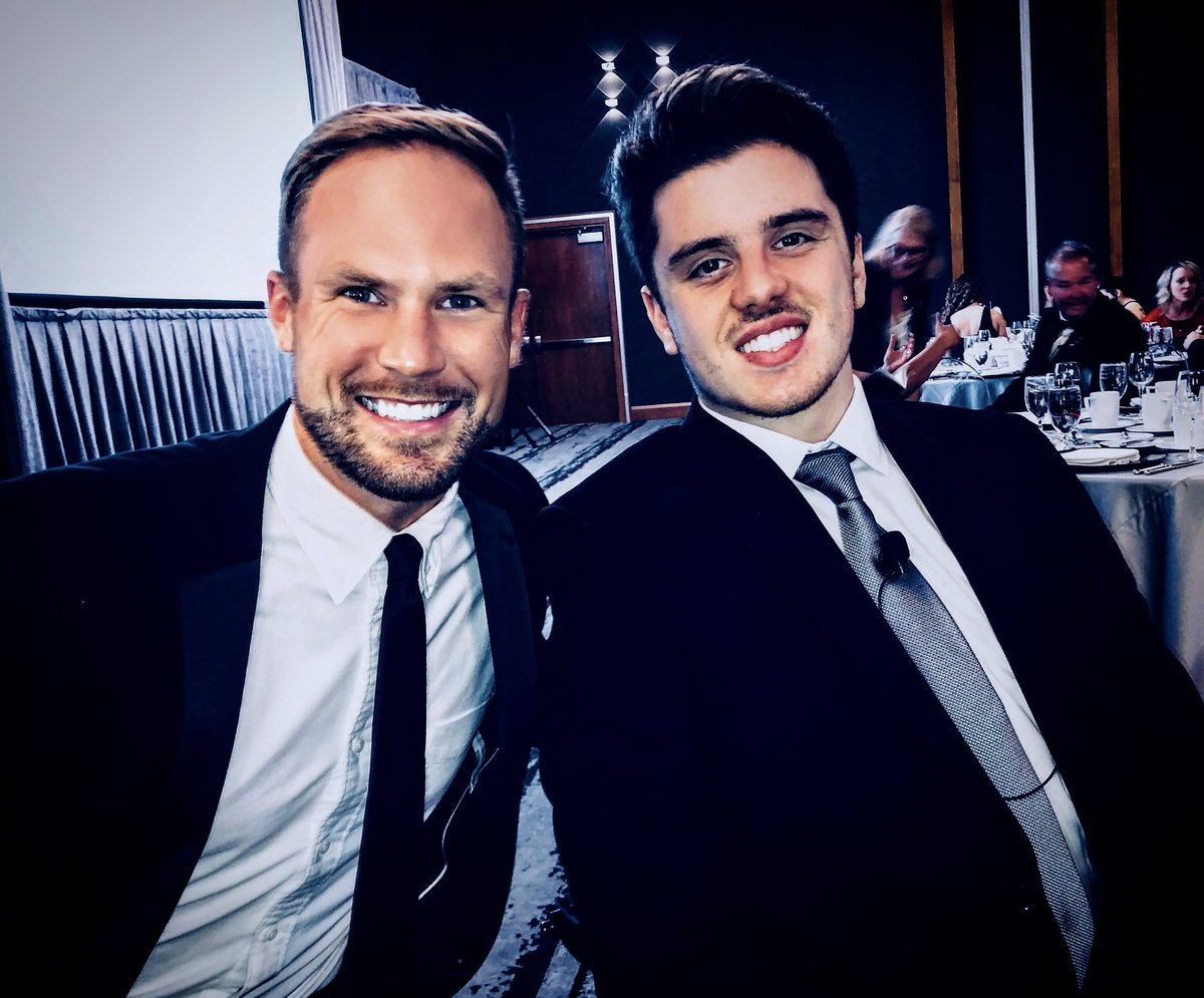 Last night at the Canadian Sport Awards I told Humboldt Broncos Ryan Straschnitzki I'll see him at the 2022 Paralympics when he's playing for Canada's @HC_Sledge team. He assured me he'll be there.   Honoured to have met you, Ryan. #HumboldtStrong