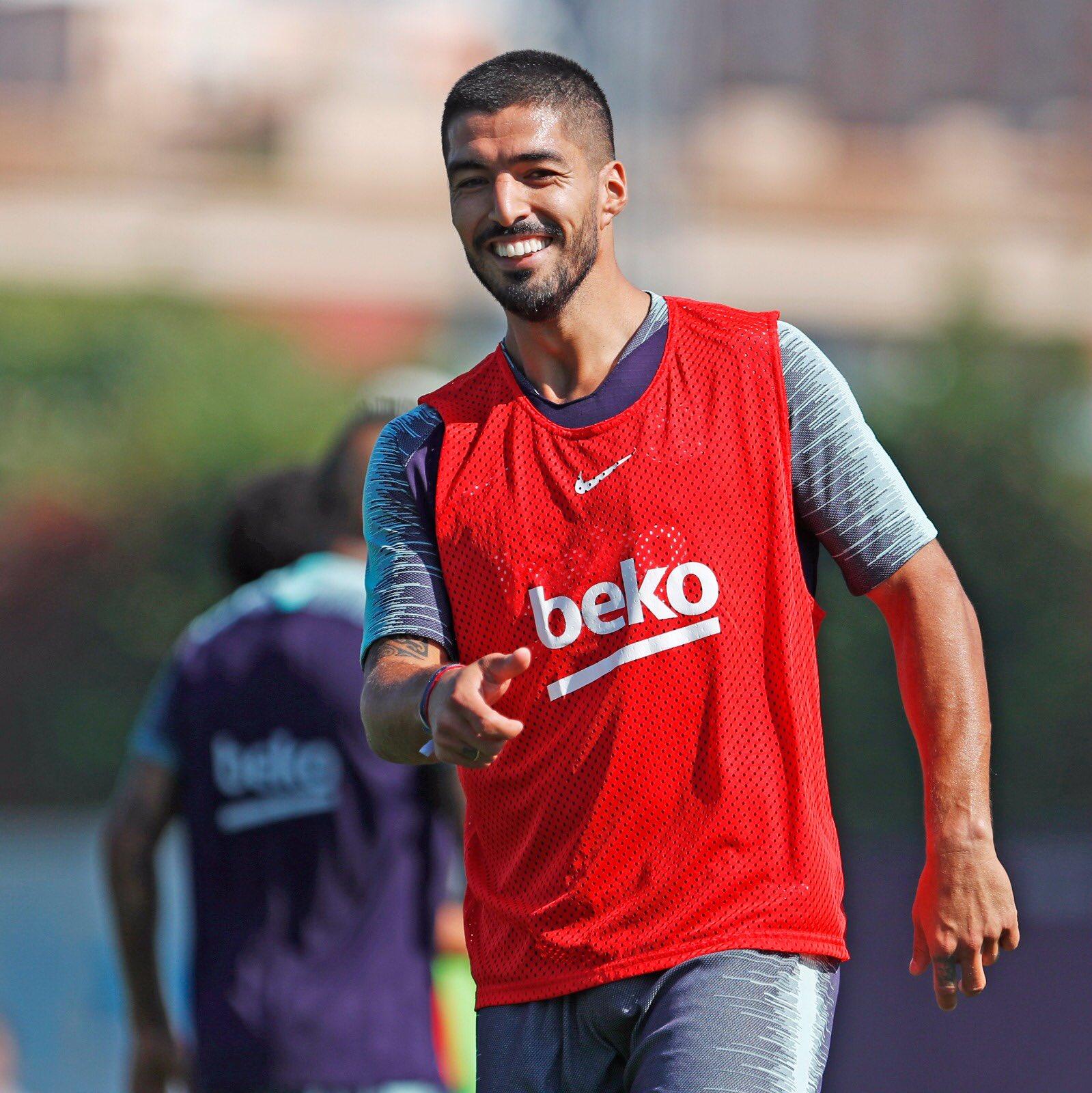 تدريبات مكثفة في برشلونة استعداداً لمباراة الأحد ضد جيرونا 21-09-2018 DnnarXKUwAAdgCR
