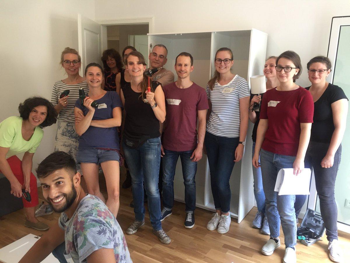 Die therapeutische Wohngemeinschaft unseres Wohnverbunds für Migrantinnen hat eine neue Wohnung gefunden! Um alles schön wohnlich einzurichten, bevor die Frauen in ihr neues Zuhause einziehen können, haben wir tatkräftige Hilfe bekommen! Herzlichen Dank für das tolle Engagement!