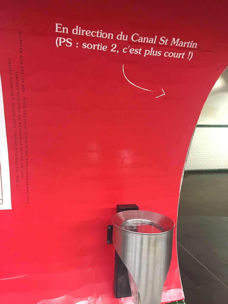 """Avant, on pouvait lire au dessus de cette poubelle à ordures """"PS : recyclez-moi"""". Mais ça, c\"""