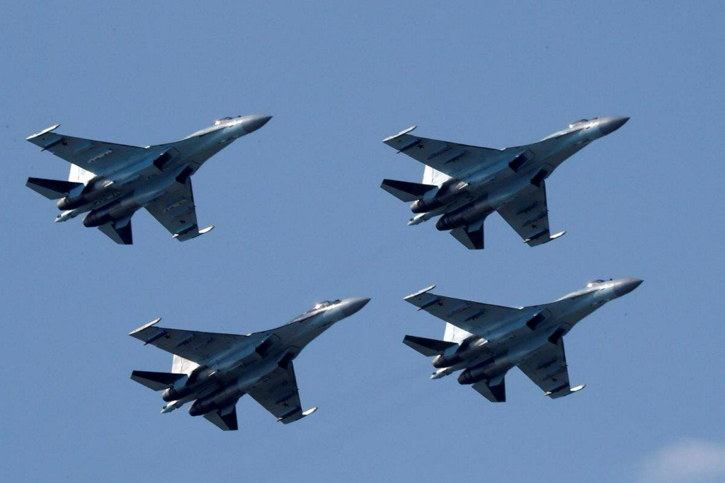 U.S. sanctions China for buying Russian fighter jets, missiles https://t.co/iwaZVQ03iR https://t.co/GrjYZXUZyR