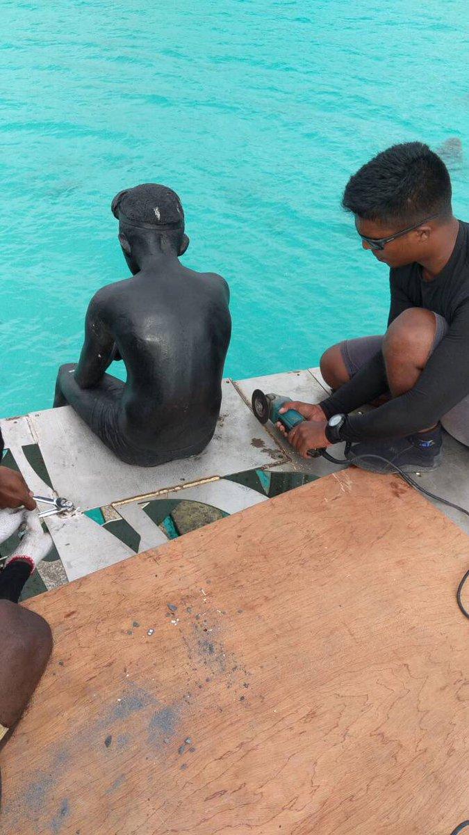 Sirru Fen Fushi resortgai hedhifaiva Coralrium gai insaanunge soora sifa vaagothah behettifaiva sculpture thah naga coralarium vany miadhuge 17:45 gai huskurevifai.