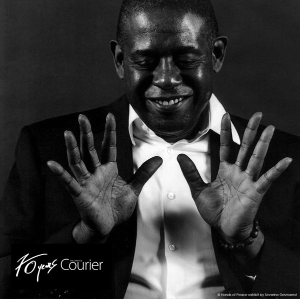 """Is courage enough to create lasting peace?  For @ForestWhitaker, """"a spirit of solidarity"""" is vital to forge a lasting peace.  On #PeaceDay the #UNESCOCourier invites you to define PEACE IN YOUR OWN WORDS.  ℹ️ https://t.co/2OsaAR3pje"""