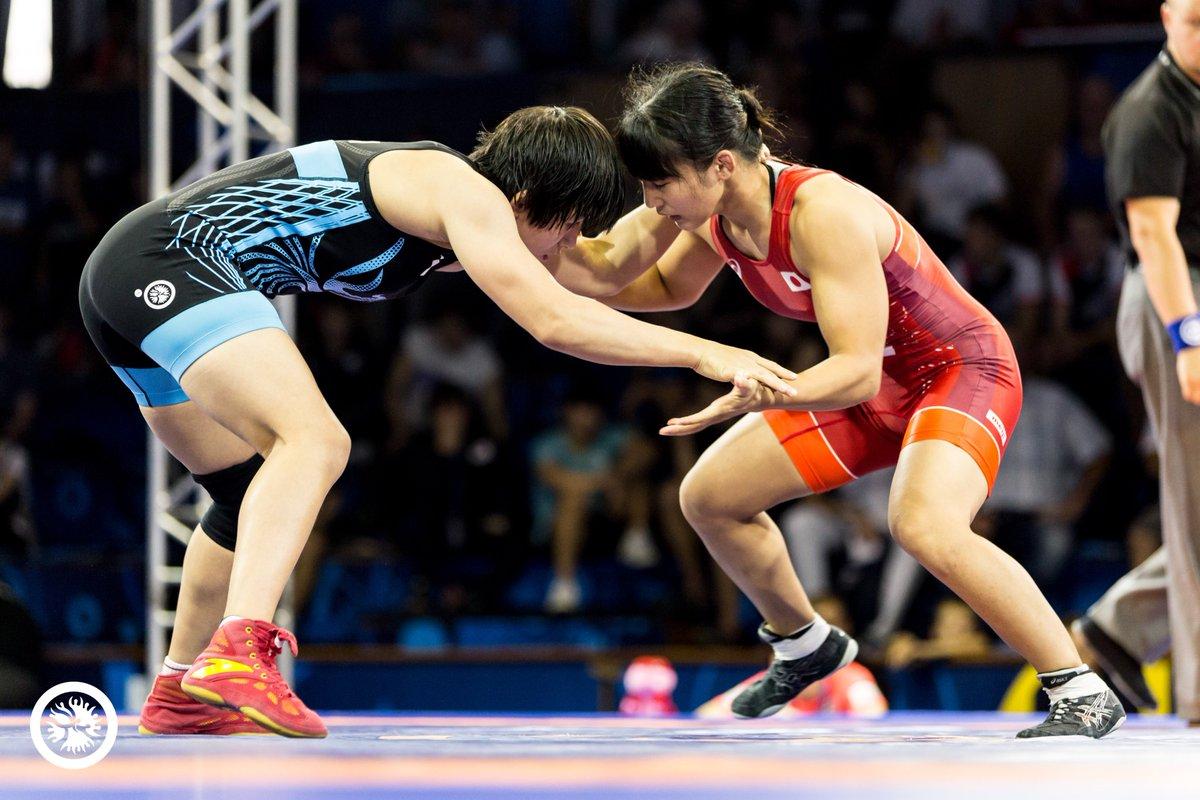 wins womens team title - HD1200×800