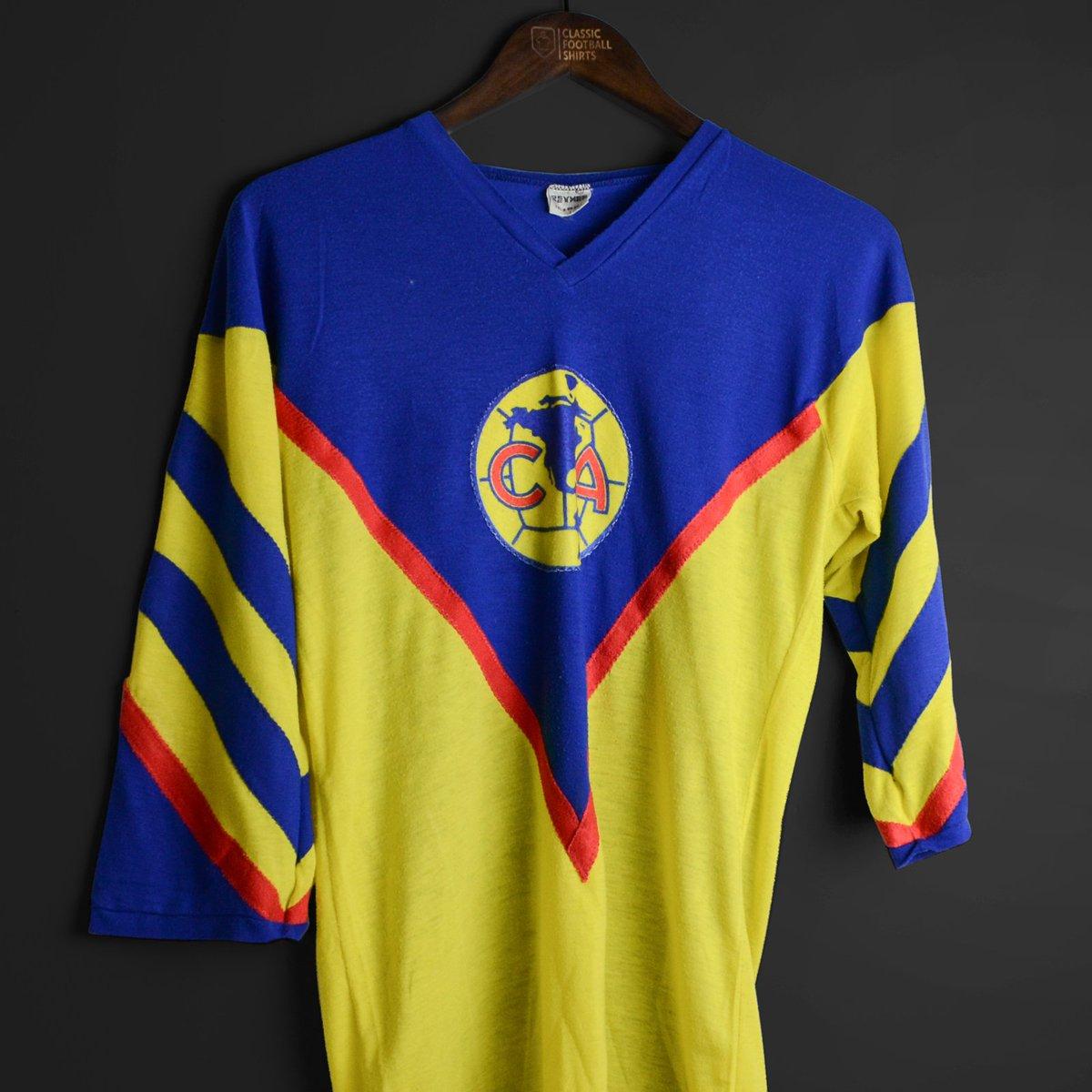 buy popular e42c6 90110 Classic Football Shirts on Twitter: