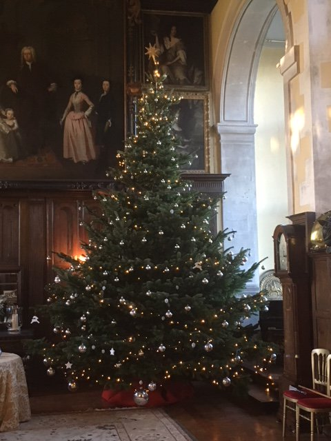 #christmas is coming to @LoseleyPark Group visits welcome (min 10) on Tuesday 11th and Wednesday 12th December - Tours inside @loseleyhouse with lunch in our stunning @tithebarn, see website @GuildfordTIC @VisitSurrey