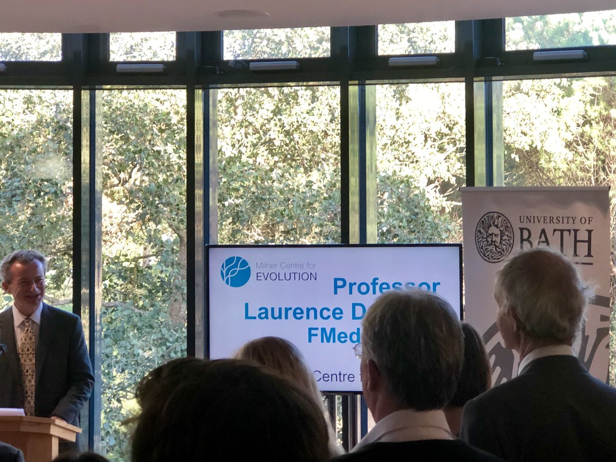 Laurence Hurst on what drove the development of @MilnerCentre -fundamental evolutionary biology research, best way to teach evo & on real world appplications of evo (eg drug therapies for cancer). The building was specially designed by biologists with fossils & MSA #MilnerLaunch