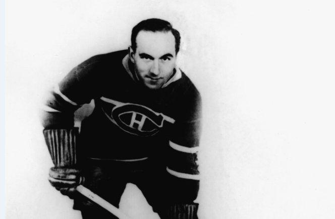 "THIS DATE IN 1902: @CanadiensMTL legend ""The Stratford Streak"" Howie Morenz was born in Mitchell, Ontario. More TDIH: atnhl.com/2xxBCNP"