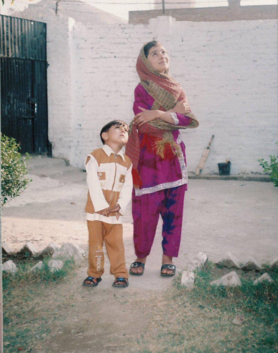 #FlashbackFriday ➡️@Malala and @atalkyousafzai 😍