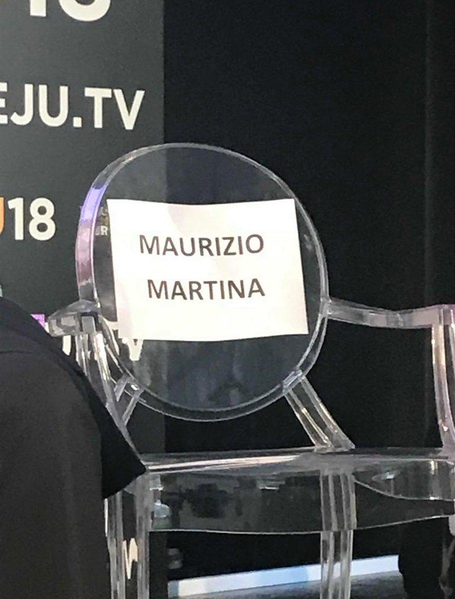#Martina non si vede perché ha il mantello dell\