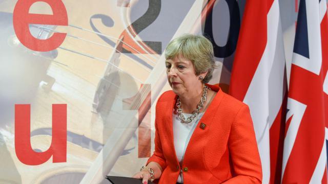 Négociations du Brexit : Theresa May dénonce une impasse et blâme lUE bit.ly/2NykRwd
